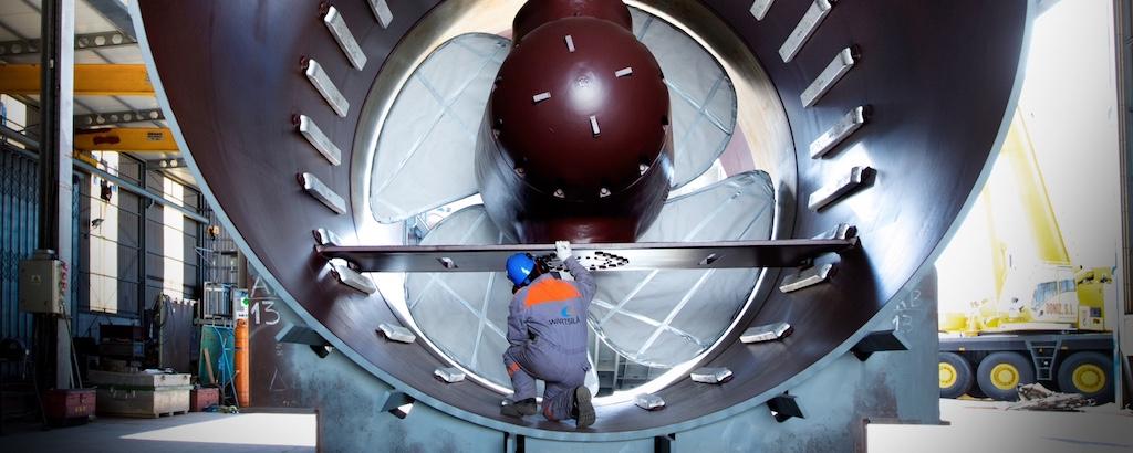 Wärtsilä 5500 kW transverse thruster for Oasis class cruise vessels of Royal Caribbean International.