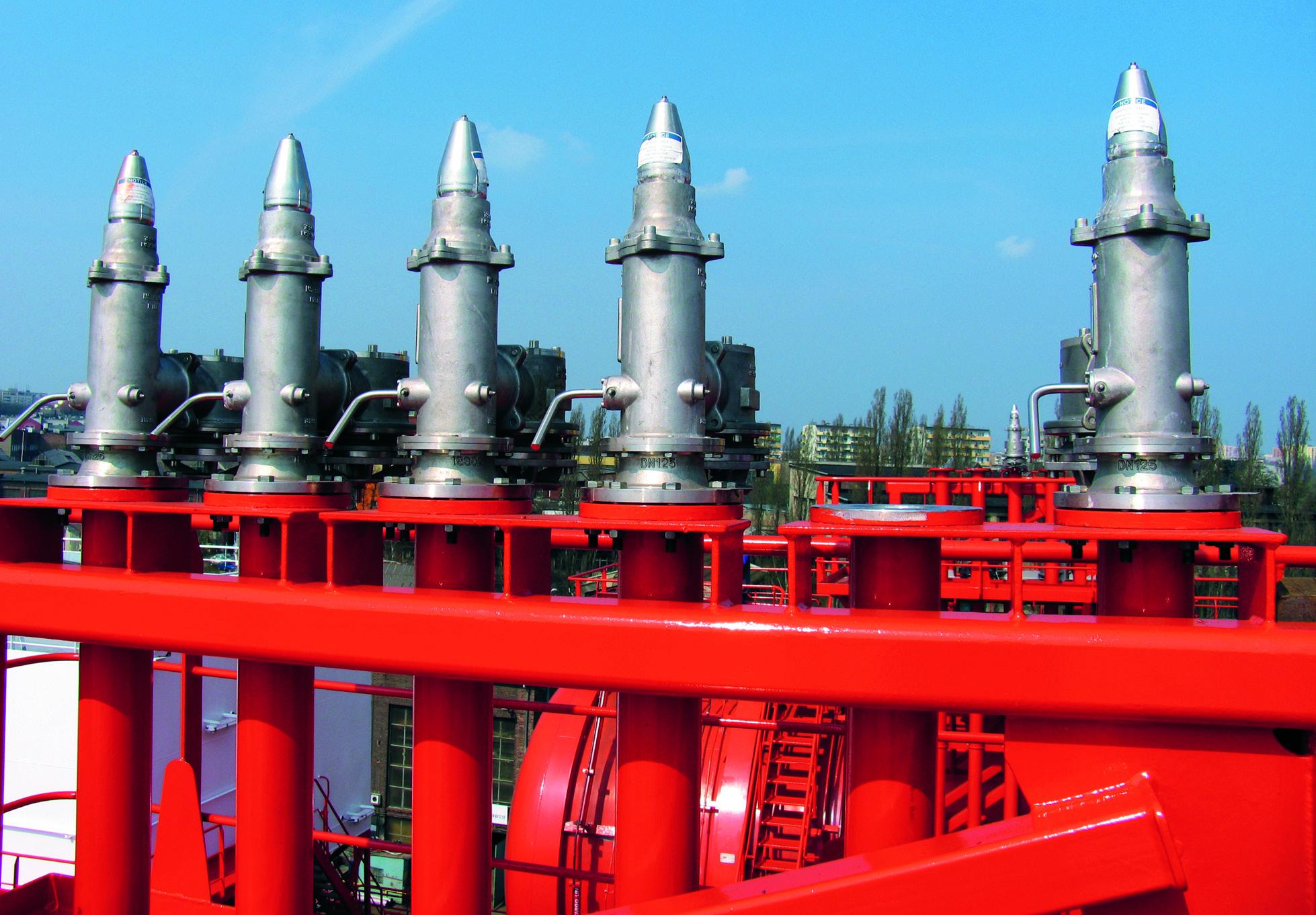 Pressure-vacuum valve (P/V valve)
