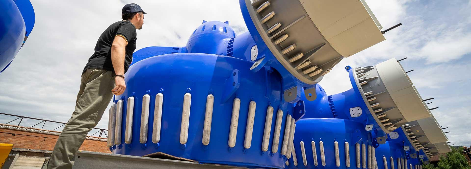 Wärtsilä gives a boost to world's largest semi-submersible crane vehicle