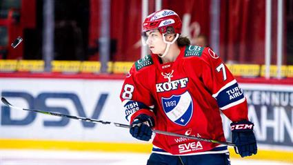 HIFK star Niklas Nordgren scores with a smile2